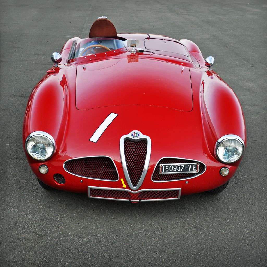 alfa romeo disco volante hmmm yes i think i could handle this smart little red car it would. Black Bedroom Furniture Sets. Home Design Ideas