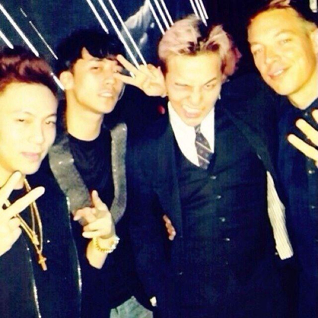 G-Dragon,Seungri-G-Dragon,Seungri with friends