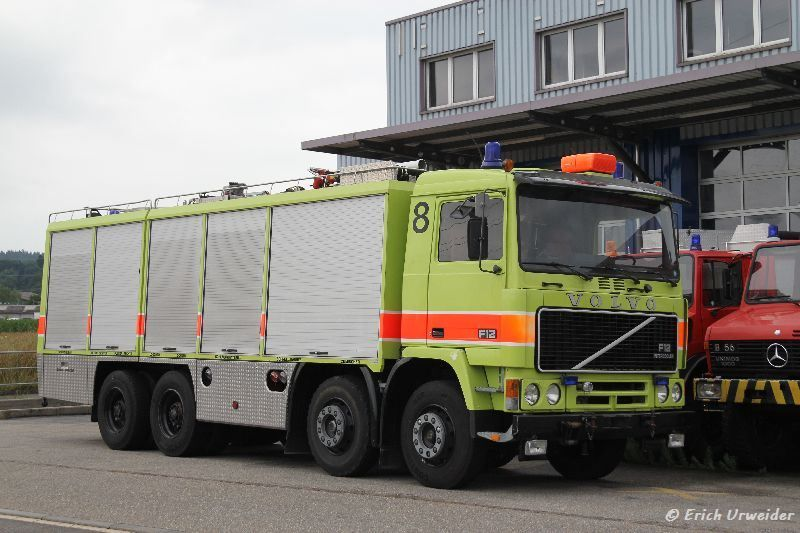 Volvo_F12_Feuerwehr001.jpg