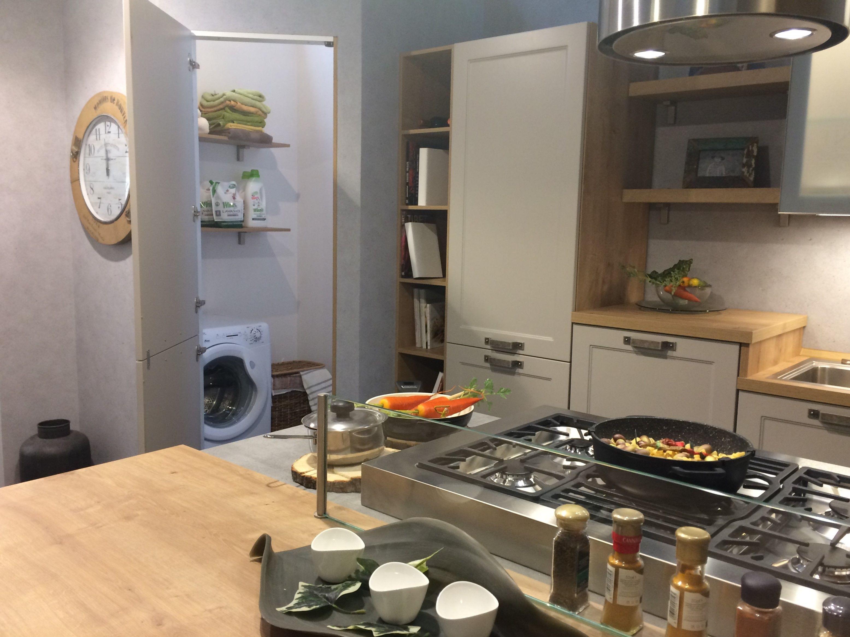 Devi trovare posto per la lavatrice in cucina perch non creare una nicchia in grado di - Creare in cucina d ...