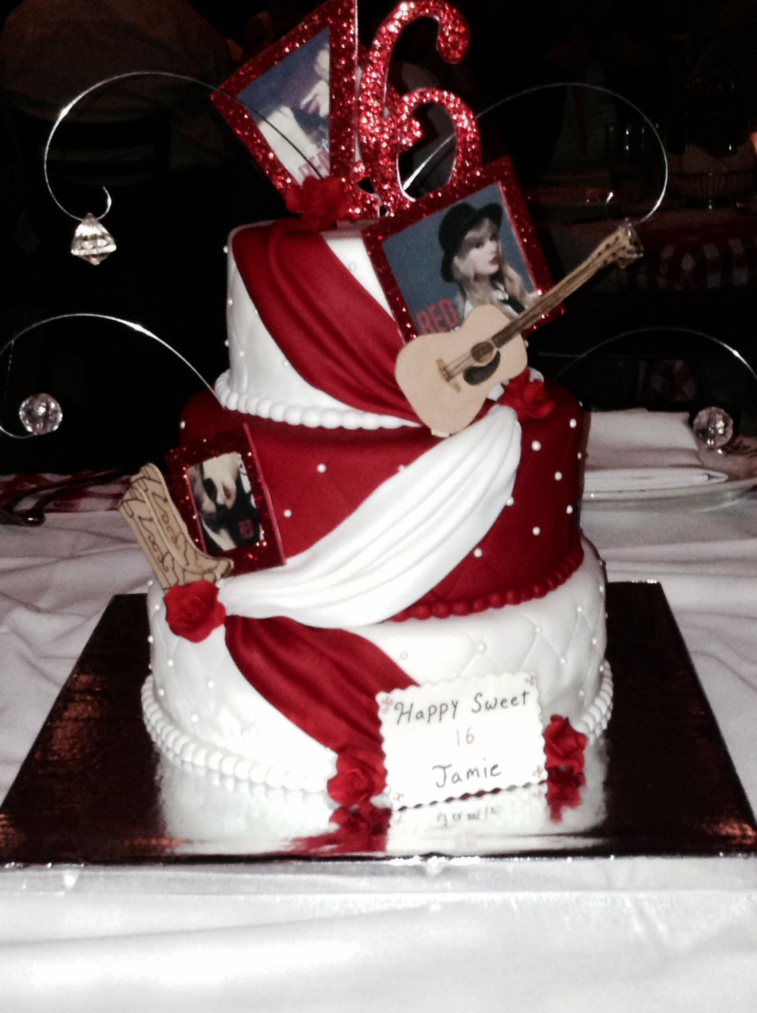 So Someone I Knew Made This Taylor Swift Cake For My Cousin