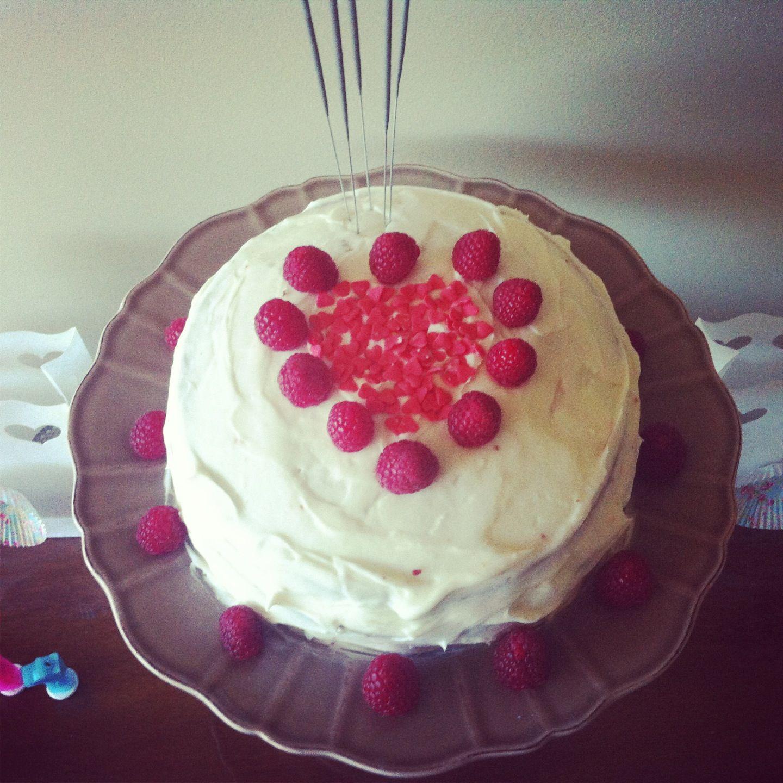 Red velvet Cake...M party