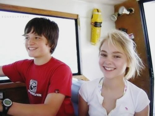 Josh and AnnaSophia Ro...