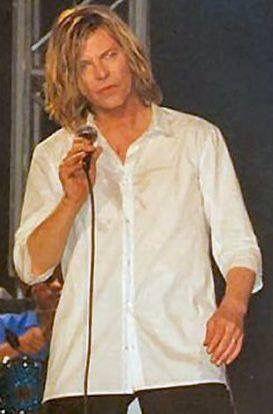 Pin By Luiza Tourinho On David David Bowie Starman David Bowie David Bowie Interview