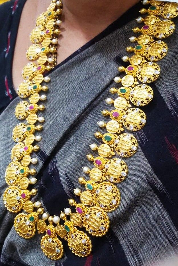 100 Grams Ram Parivar Haram Beautiful Gold Necklaces Gold Necklace Designs Antique Jewelry Indian