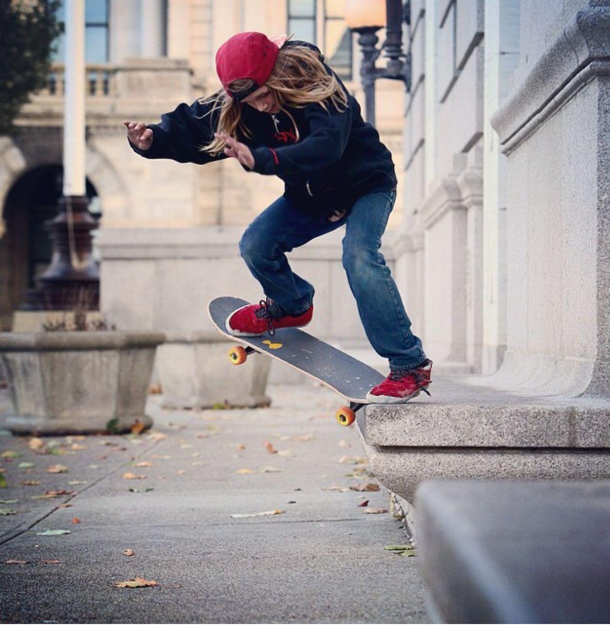Crook Grind Skateboard, Tony hawk, Action sports