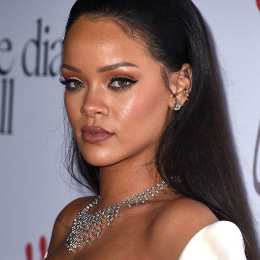 Anne Hathaway Kibbe: Rihanna 2016 Http://celebssocial.com/wp-content/uploads