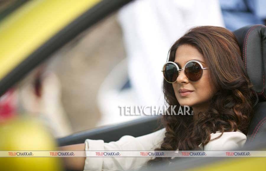 Pin by Kamil Khan on Jennifer Winget | Sunglasses women ...