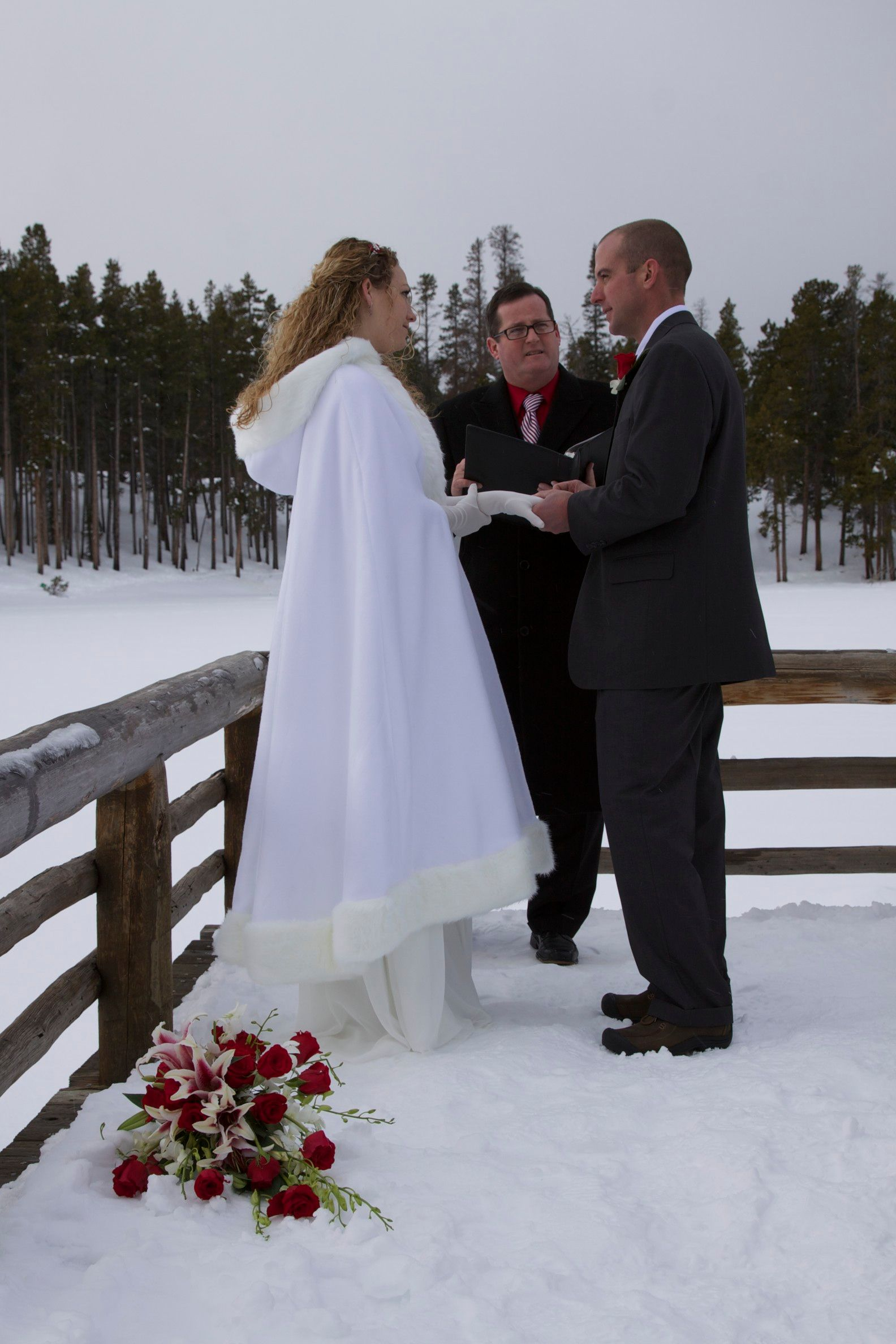 Marry Me In Colorado Wedding Cape Als Estes Park Offering Fur Coats Cloaks