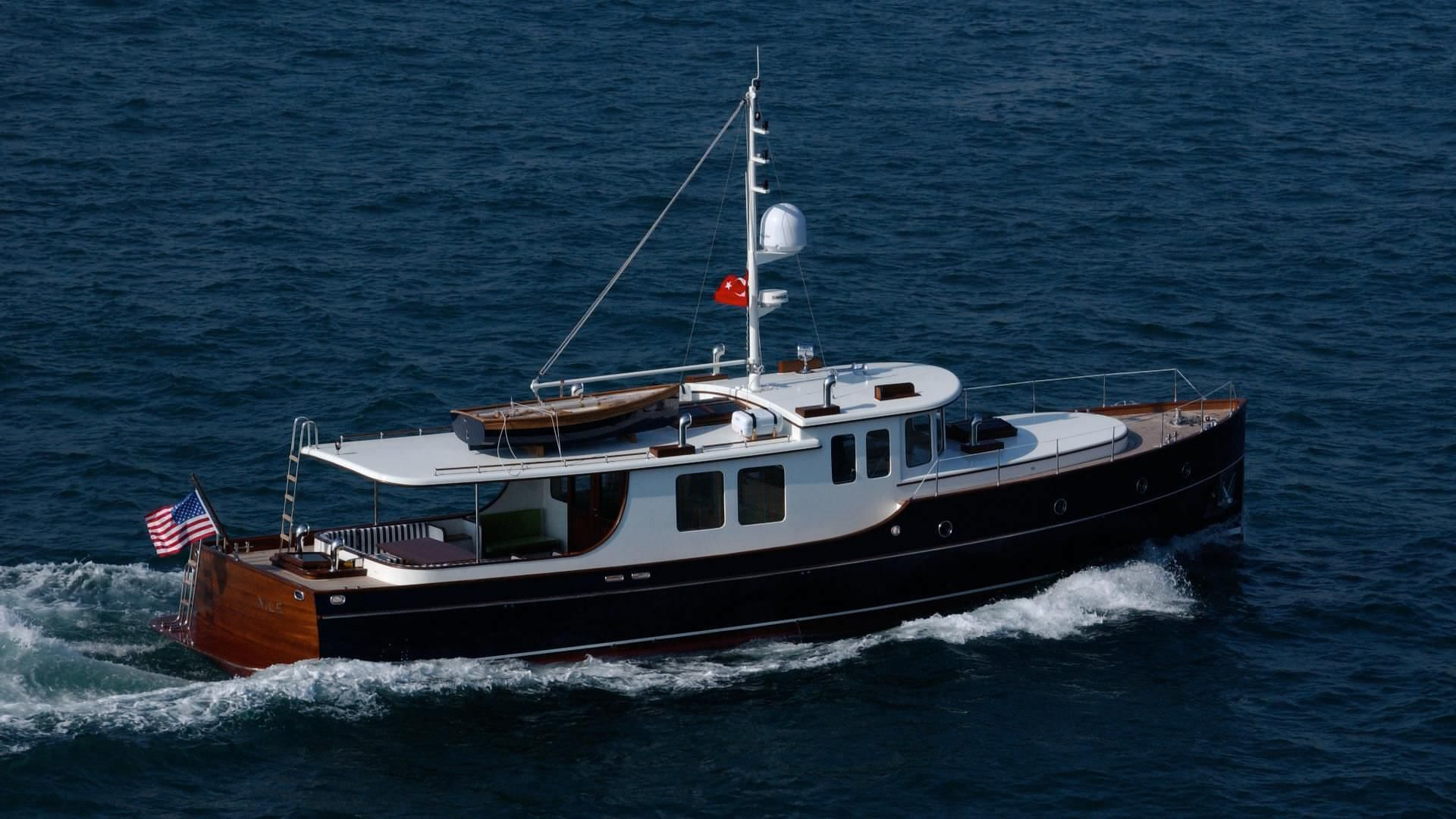 Cruising Motor Yacht Classic Wheelhouse Displacement 57