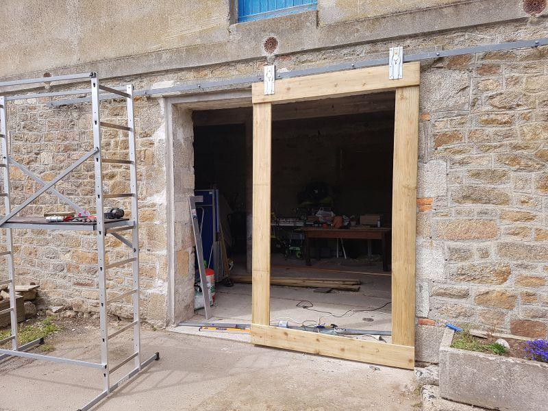 Fabriquer Une Porte De Grange Coulissante En 2020 Avec Images Portes De Grange Coulissantes Porte Grange Grange En Bois