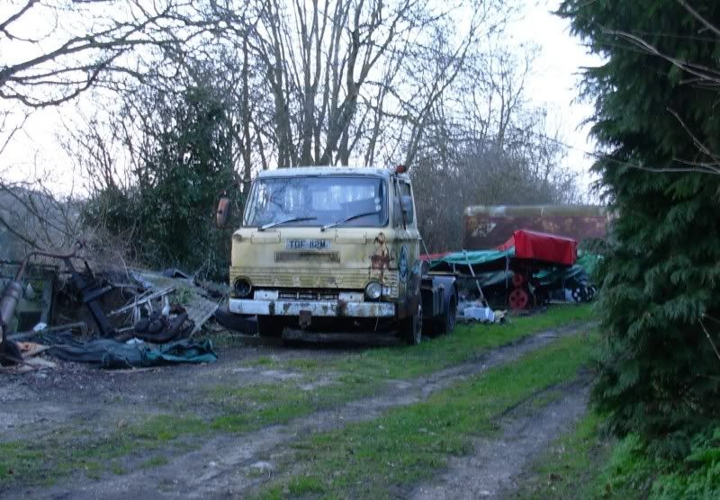 Let S See The Abandoned Ones Retro Rides Classic Trucks