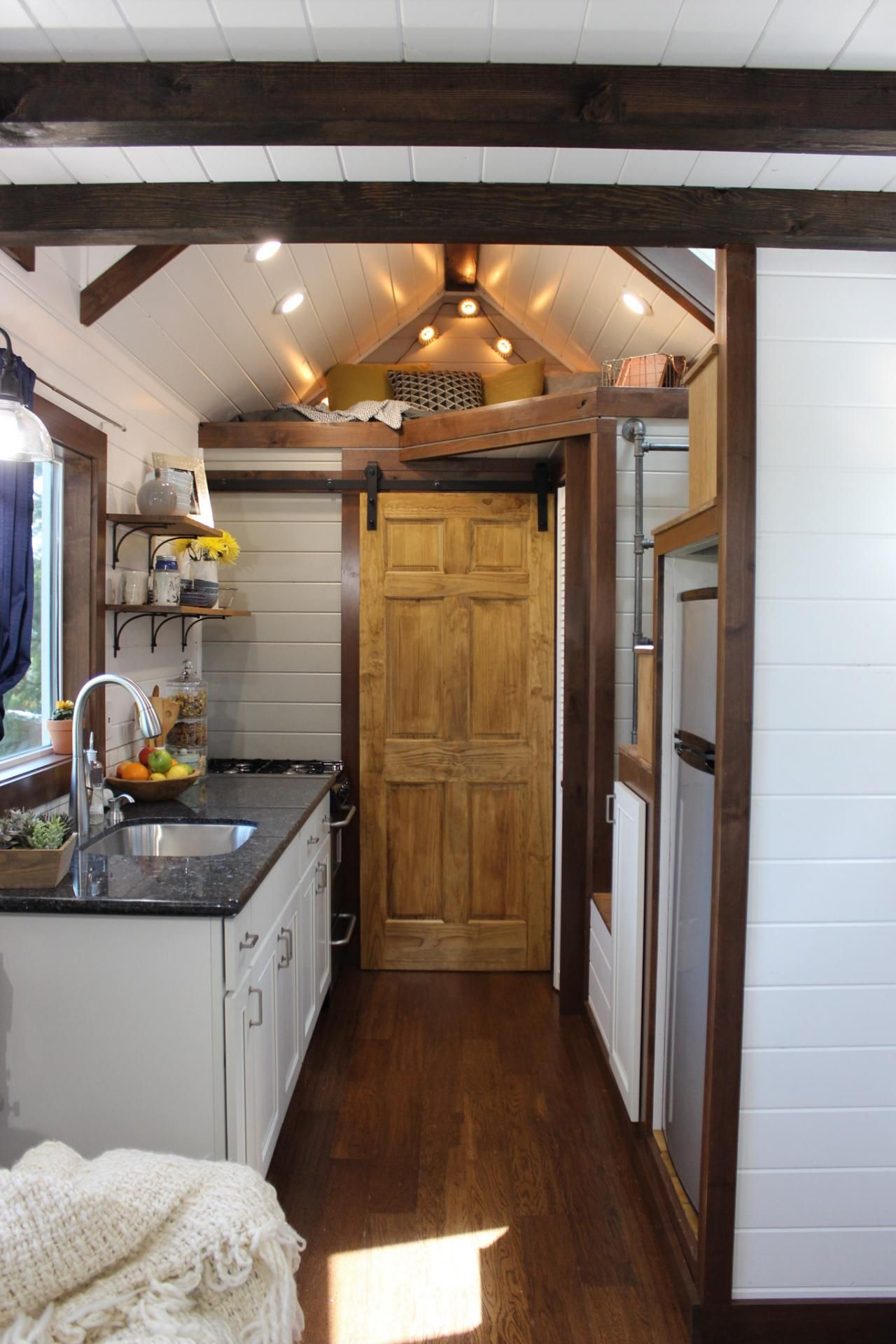 Tiny Luxury 9 Things You Gain When You Go Tiny Tiny Luxury Tiny House Swoon Tiny House Big Living
