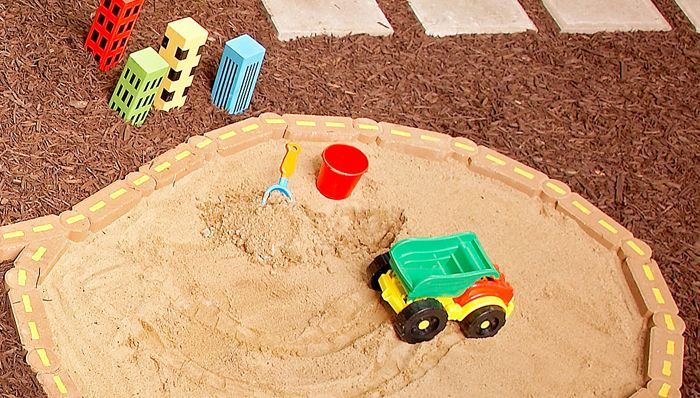 Rindenmulch Unter Klettergerüst : New sand box idea patio ideas pinterest rindenmulch