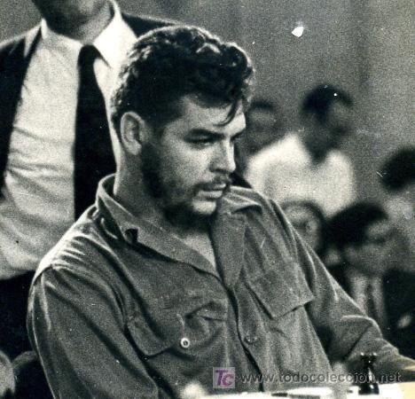 Che Guevara playing chess #cheguevara