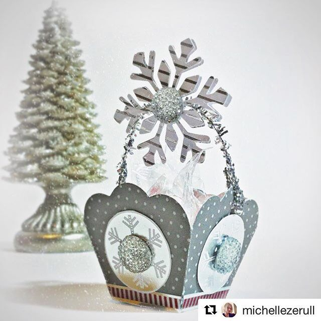 How amaze-tastic is this beautiful project from @michellezerull (team @eileenhull)!! Yep, we are in love!! Tune into our blog the day after Thanksgiving for more beauties, this time from our team!! @stampinaka, @nursiebeths_beauties, and @justyolie have put together some wonderful projects for your enjoyment and inspiration!