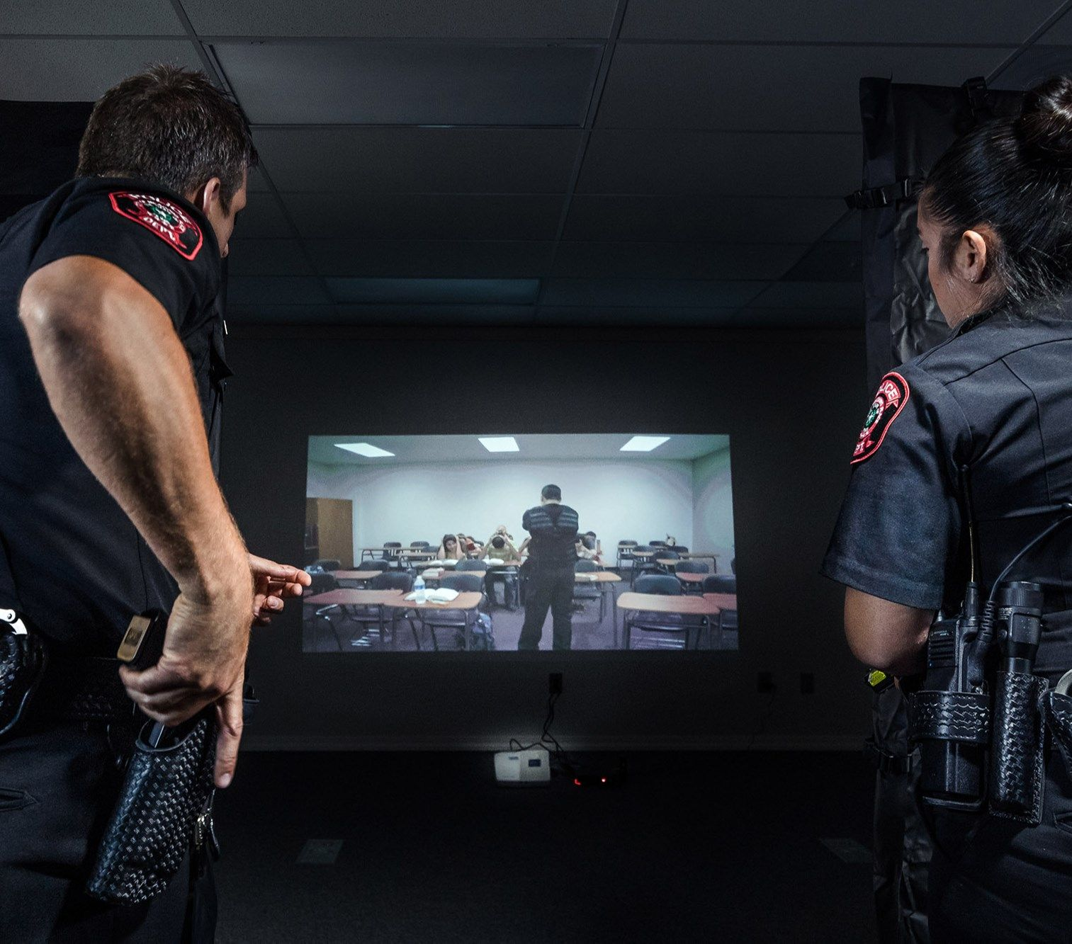 Policeone News Why I Believe In Simulation Training One Officer S Story Capt Michael Curry Appreciates The Realism Police Activities Train Simulation