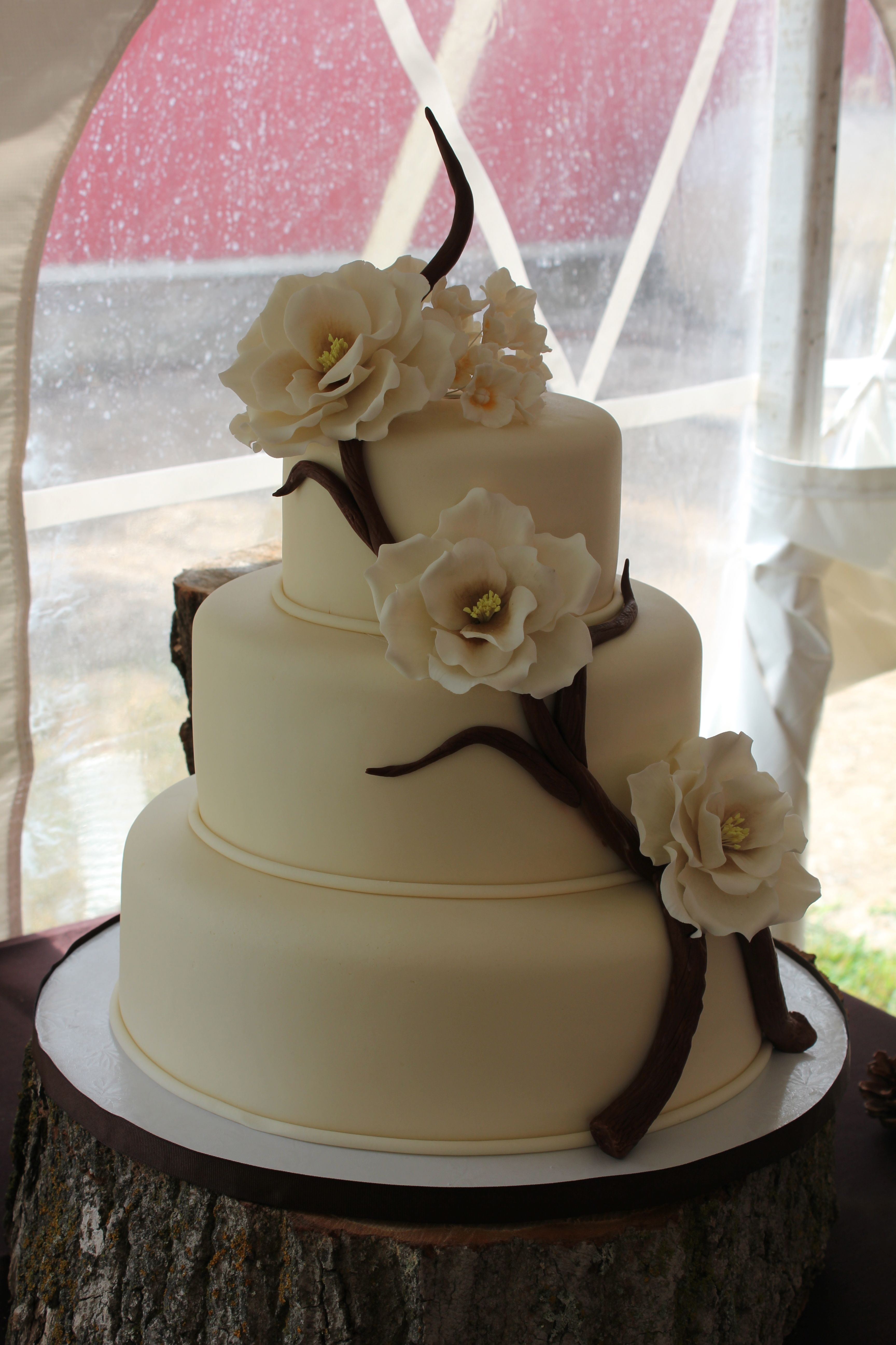 Wedding Cake With Gum Paste Flowers Sweet Tooth Pinterest