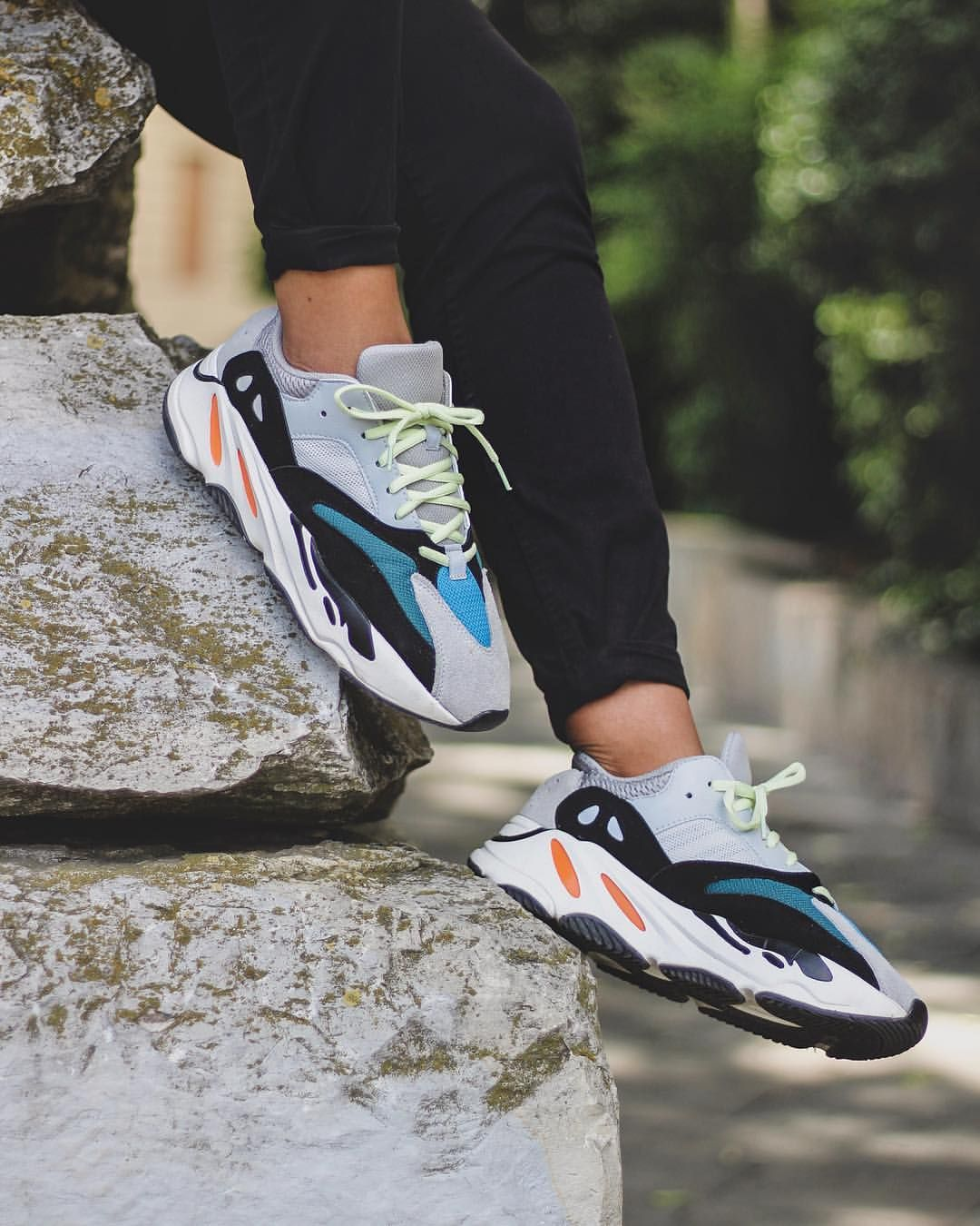save off 4a864 b6cbd adidas Yeezy 700 Wave runner