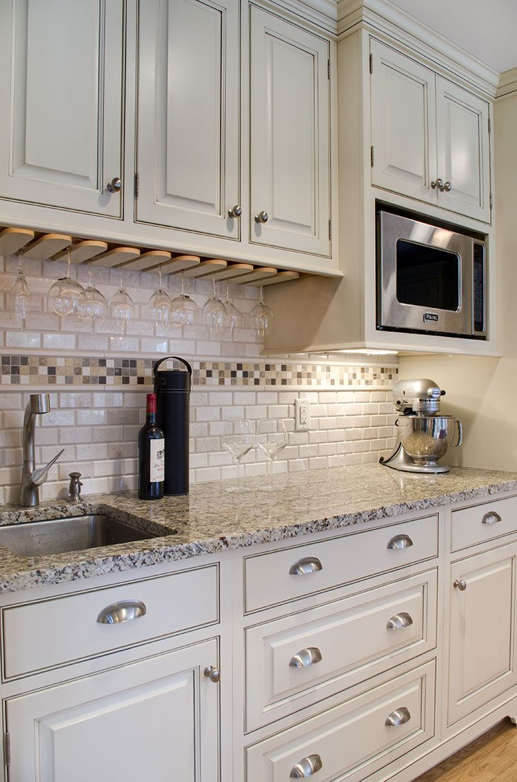 Hanssem Lancaster Maple Crystal White With Mocha Diy Kitchen Renovation Traditional Kitchen Kitchen Renovation