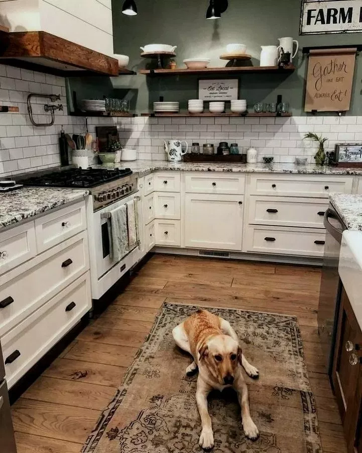 44 Inspiring Kitchen Layout For Your Home 31 Farmhouse Kitchen Design Rustic Kitchen Design Farmhouse Style Kitchen