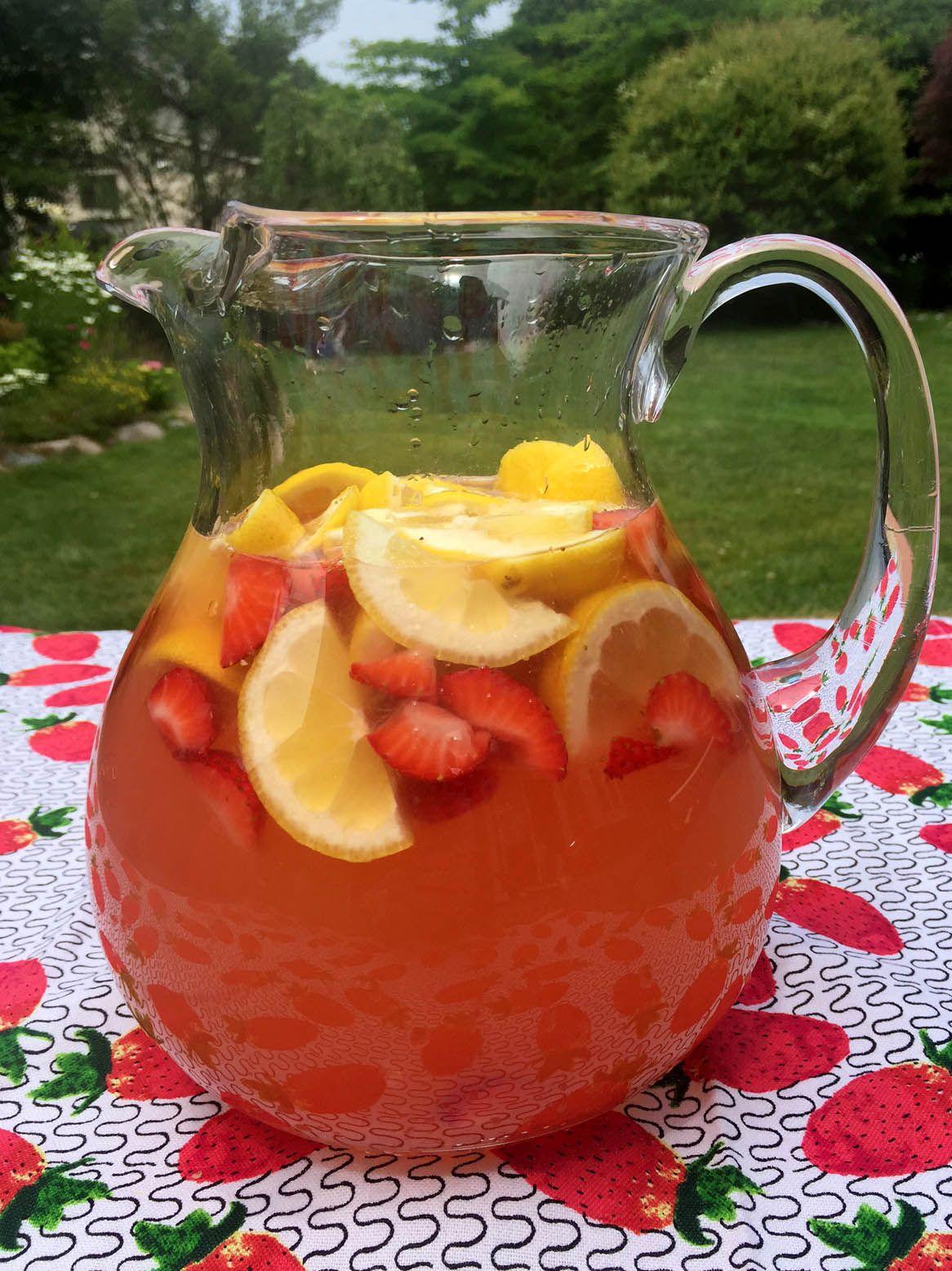 Homemade Strawberry Lemonade Recipe With Freshly Squeezed Lemons & Strawberry Slices