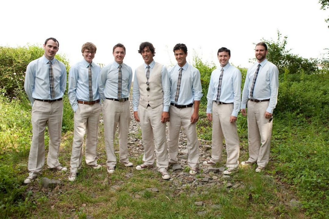20+ Awesome Casual Wedding Groomsmen Attire That You Need