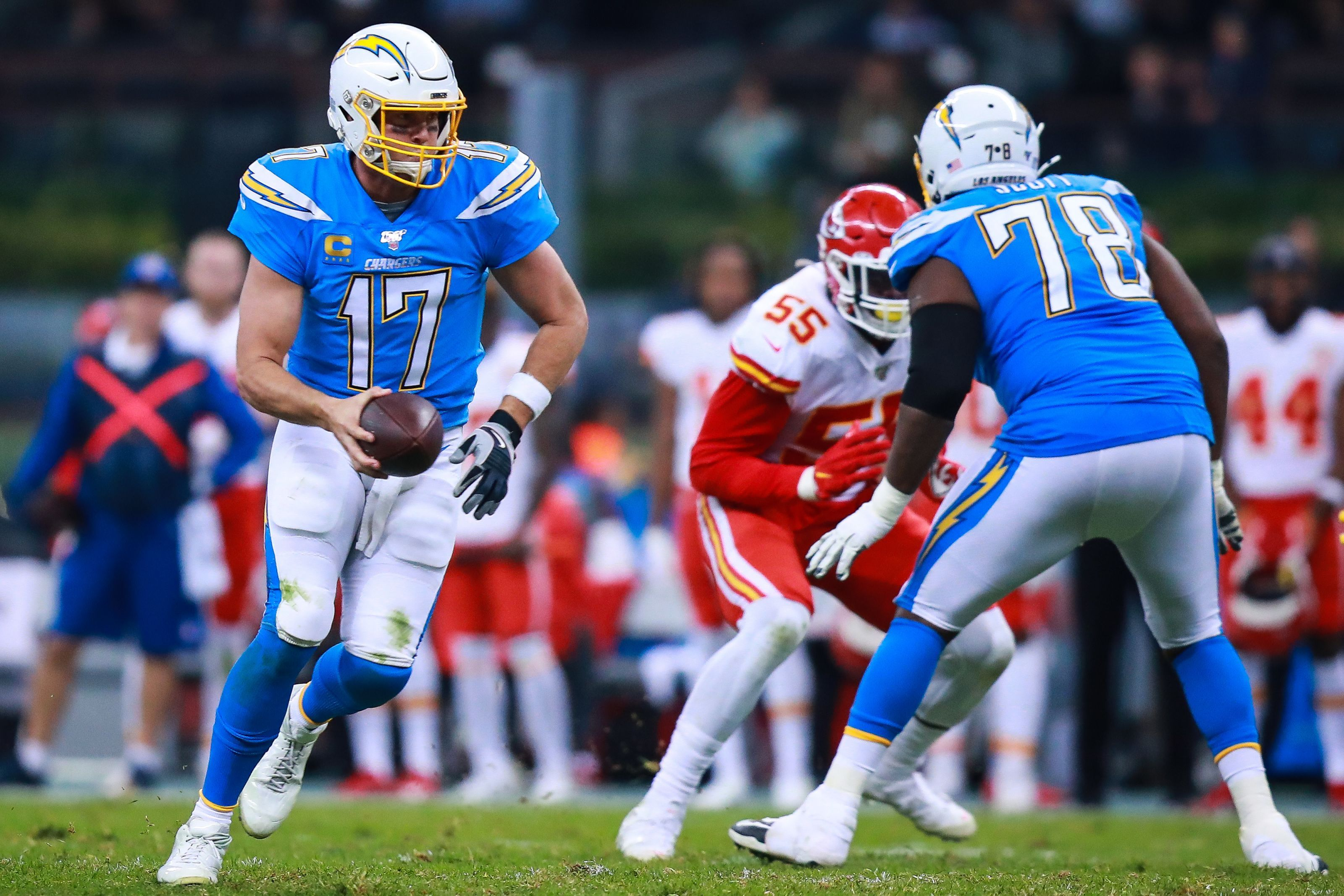 Los Angeles Chargers Staff Predictions For Week 17 Vs Chiefs National Football League News Nfl News National Football National Football League