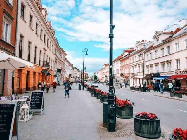 Warsaw: Śródmieście (city center), visit the old town