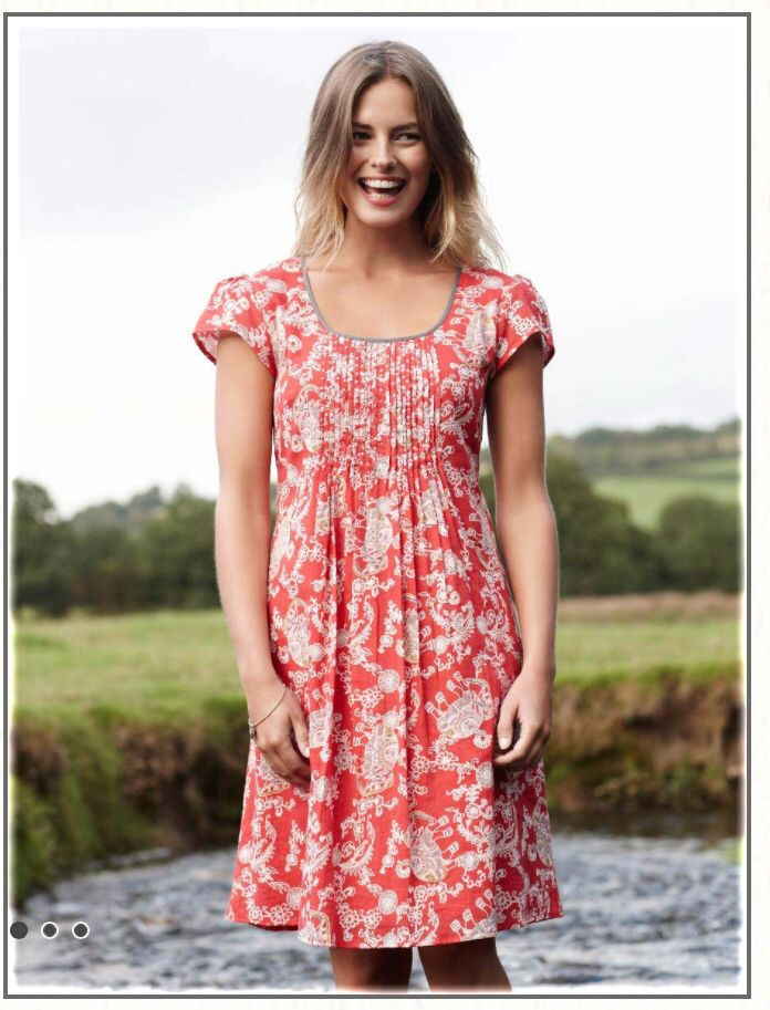c9ebe52fe078 This bright red and white print dress with featured pipping is a pretty  option for an English summer