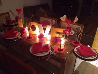 Dos namorados com as velas...