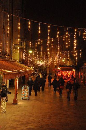 Christmas In Italy 2019.Corredores Peatonales 17 Espacio Publico In 2019