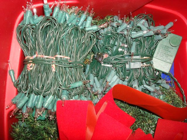 Storing Christmas Lights Without The Tangles! Easy Peasy!
