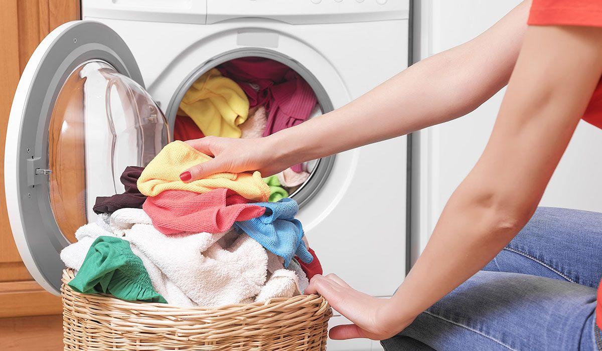 فكرة خلاتني نصبن البييض مع الألوان بكل أمان جربيها قبل فوات الأوان Washing Machine Service Washing Machine Washing Laundry
