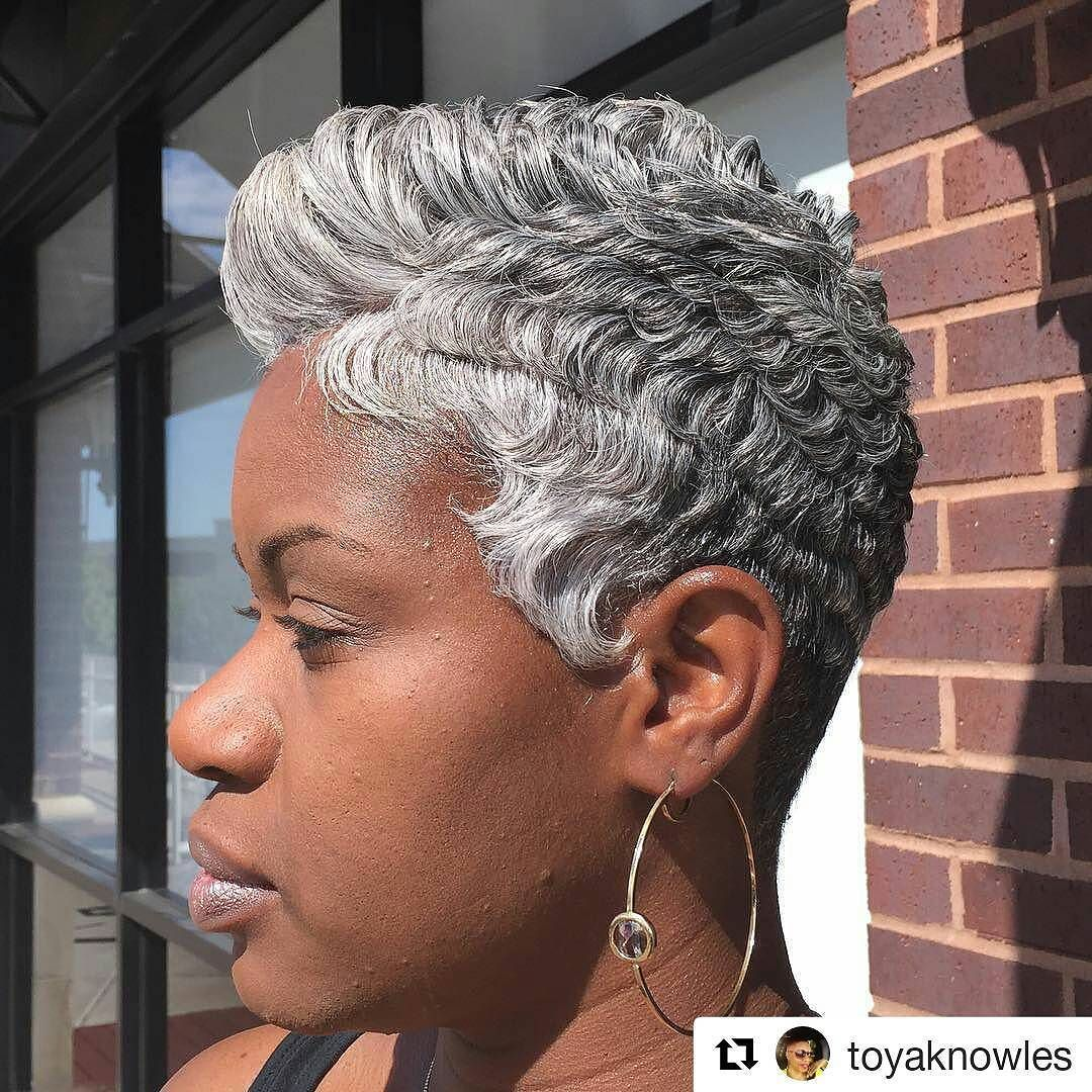 Granny hair?! Where?? Short Slayed and gray!! What's stopping you from slaying your gray? #ShortGraySlay #GrayPixie #GrayHair #NaturallyGrayHair #BlackWomenAreMagic #JoinTheSlayYourGrayMovement #ThatColorAroundTheHairlineTho #SistaYourGrayHairIsBeautiful #Repost @toyaknowles with Embracing your Silver. lol at this beauty. Now excepting new clients . Please share & tag your friends family and co-workers.. Thank you much #readventures #reathegal #readagal