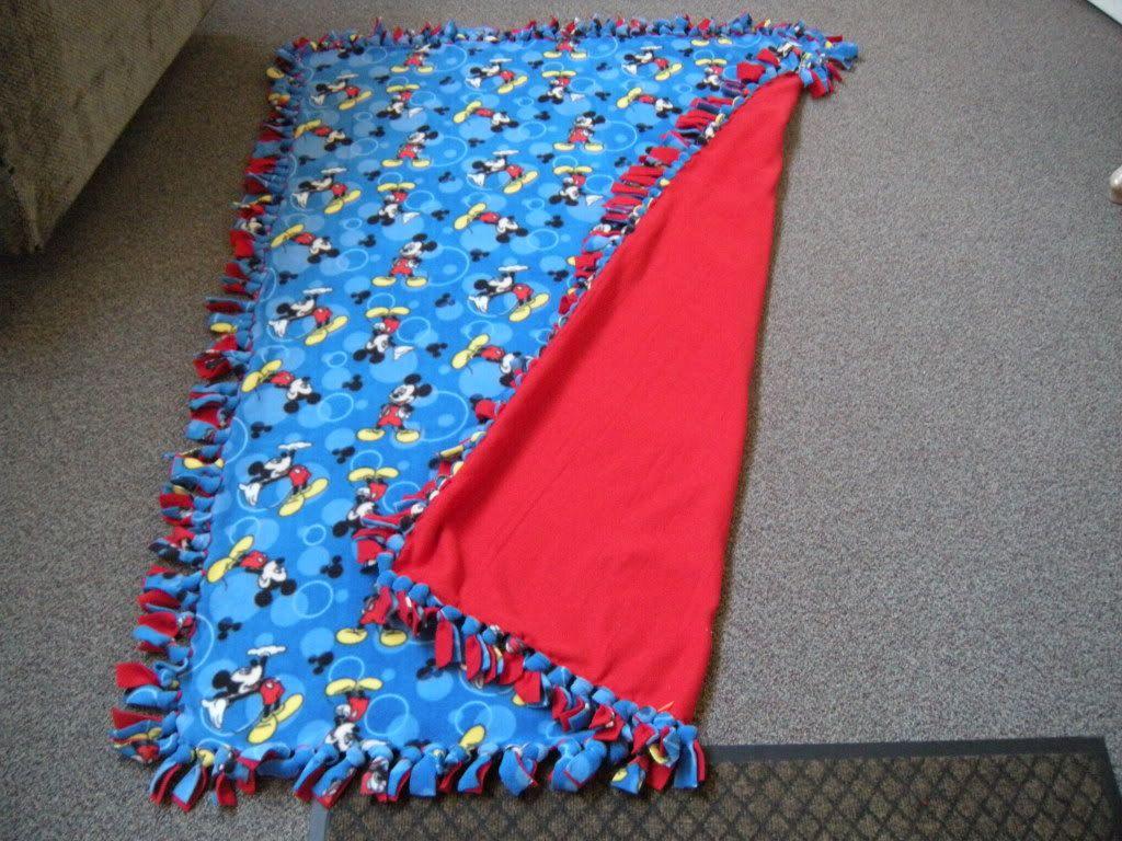 No Sew Fleece Blanket Instructions | Creative Outlet | Pinterest ... : tied fleece quilt - Adamdwight.com