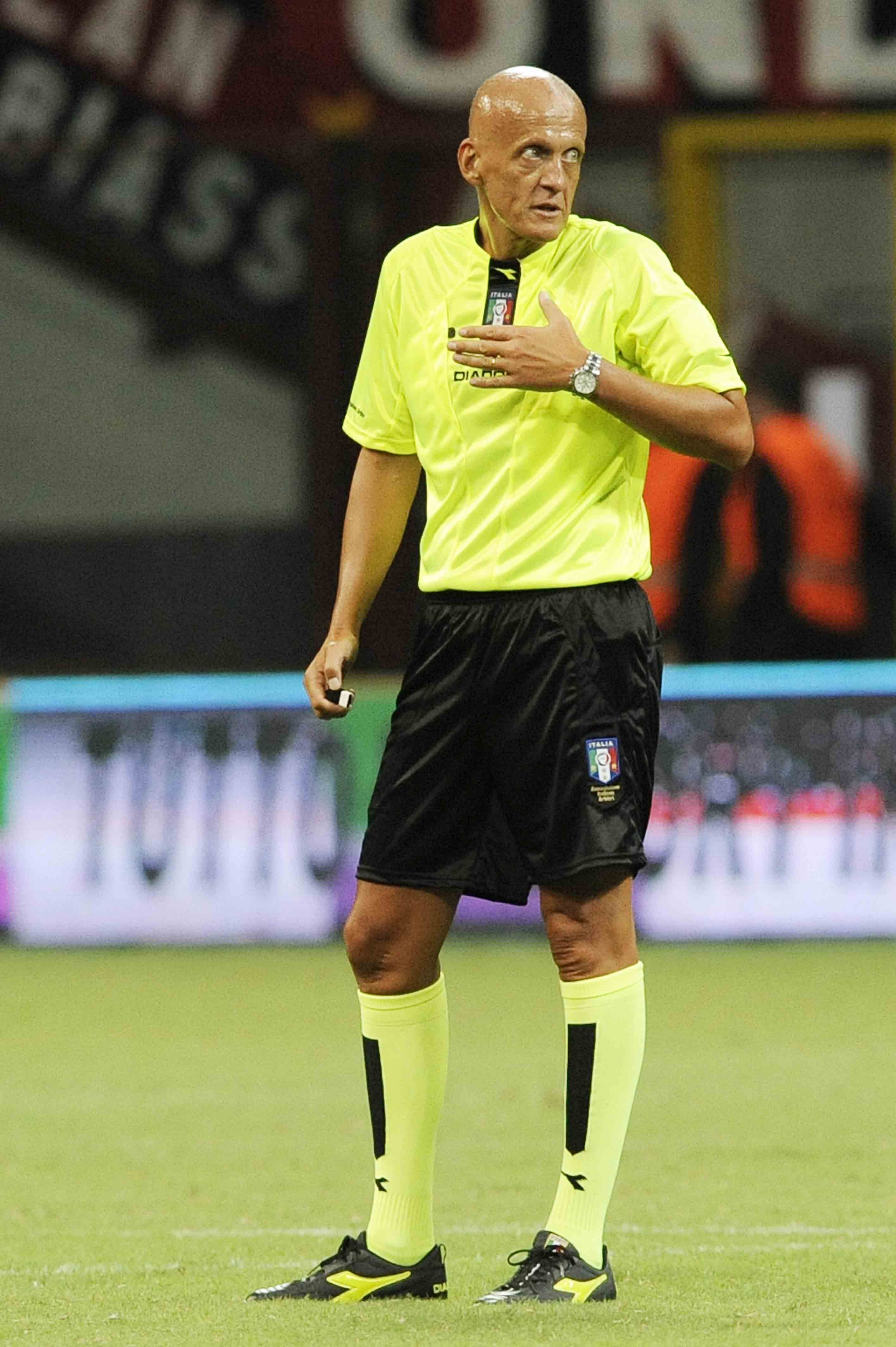 d844db4f49f Pierluigi Collina is considered to be the best referee ever. He is wearing  the Diadora Brasil s soccer cleats