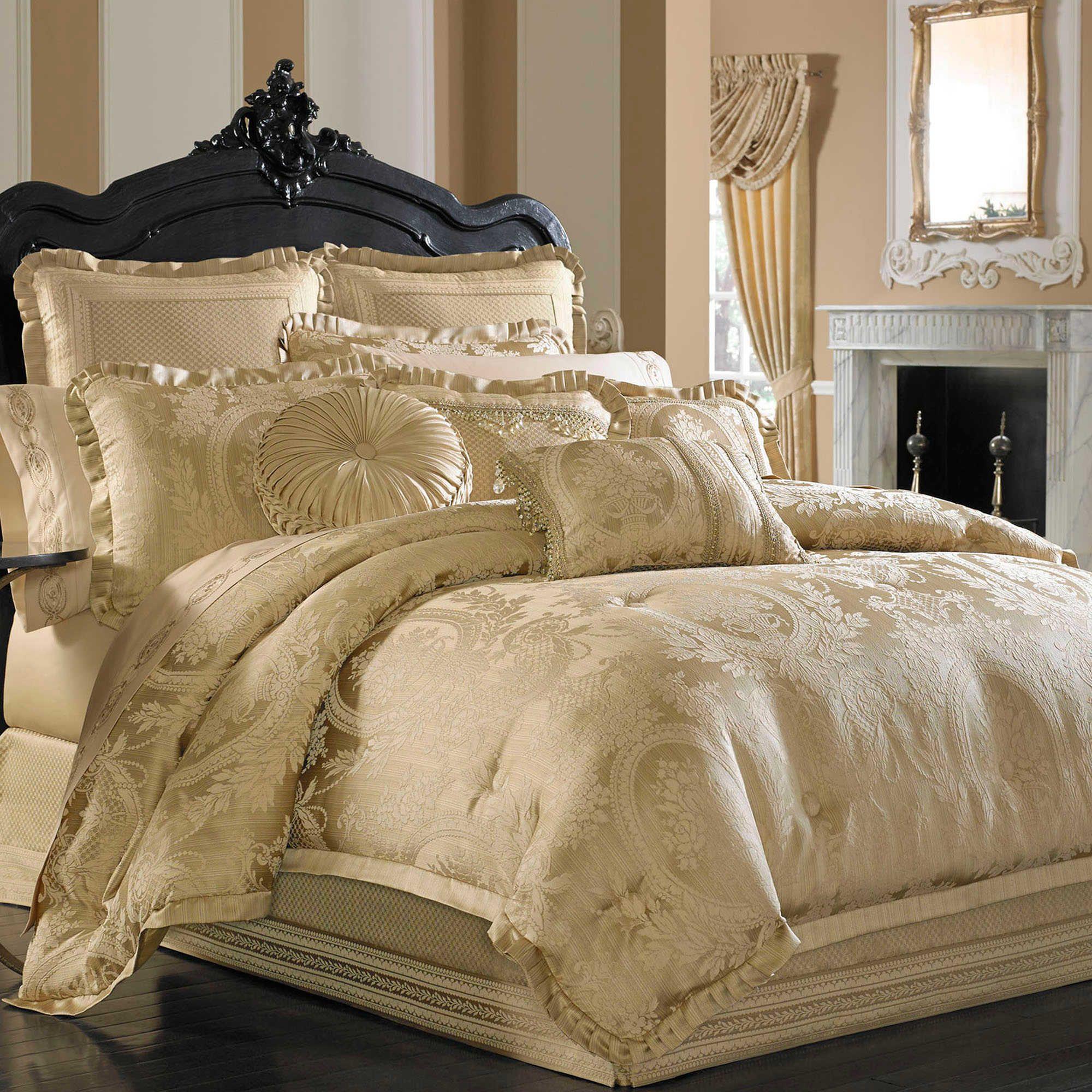 J Queen New York™ Napoleon Queen forter Set in Gold