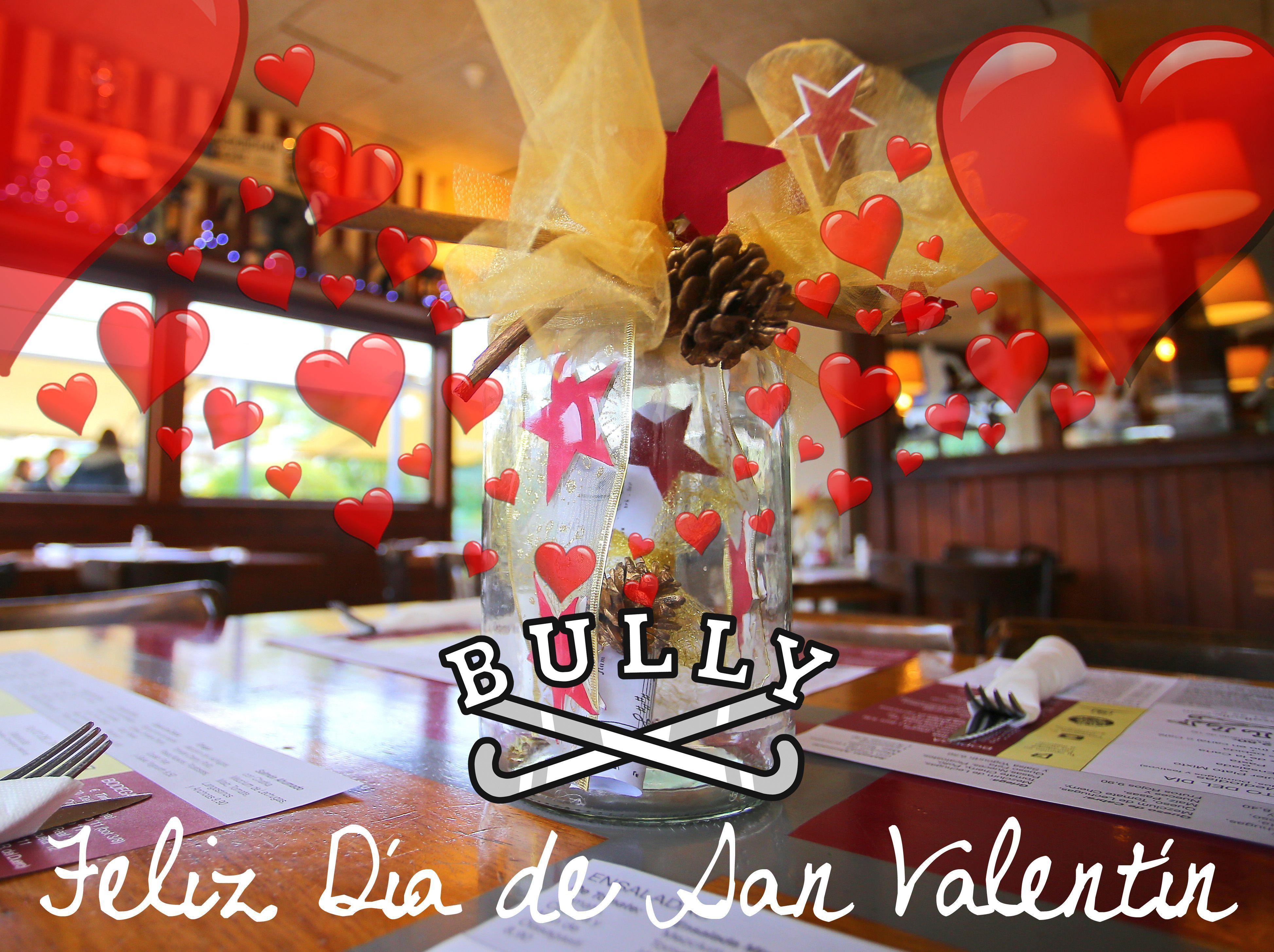El equipo del #vamosalbully #donostia #sansebastian os desea un muy feliz día de #sanValentin. Que viva el amor. Sorprende a tu pareja invitándole a comer en nuestro restaurante. (No a cenar que los Domingos en invierno cerramos por la noche)