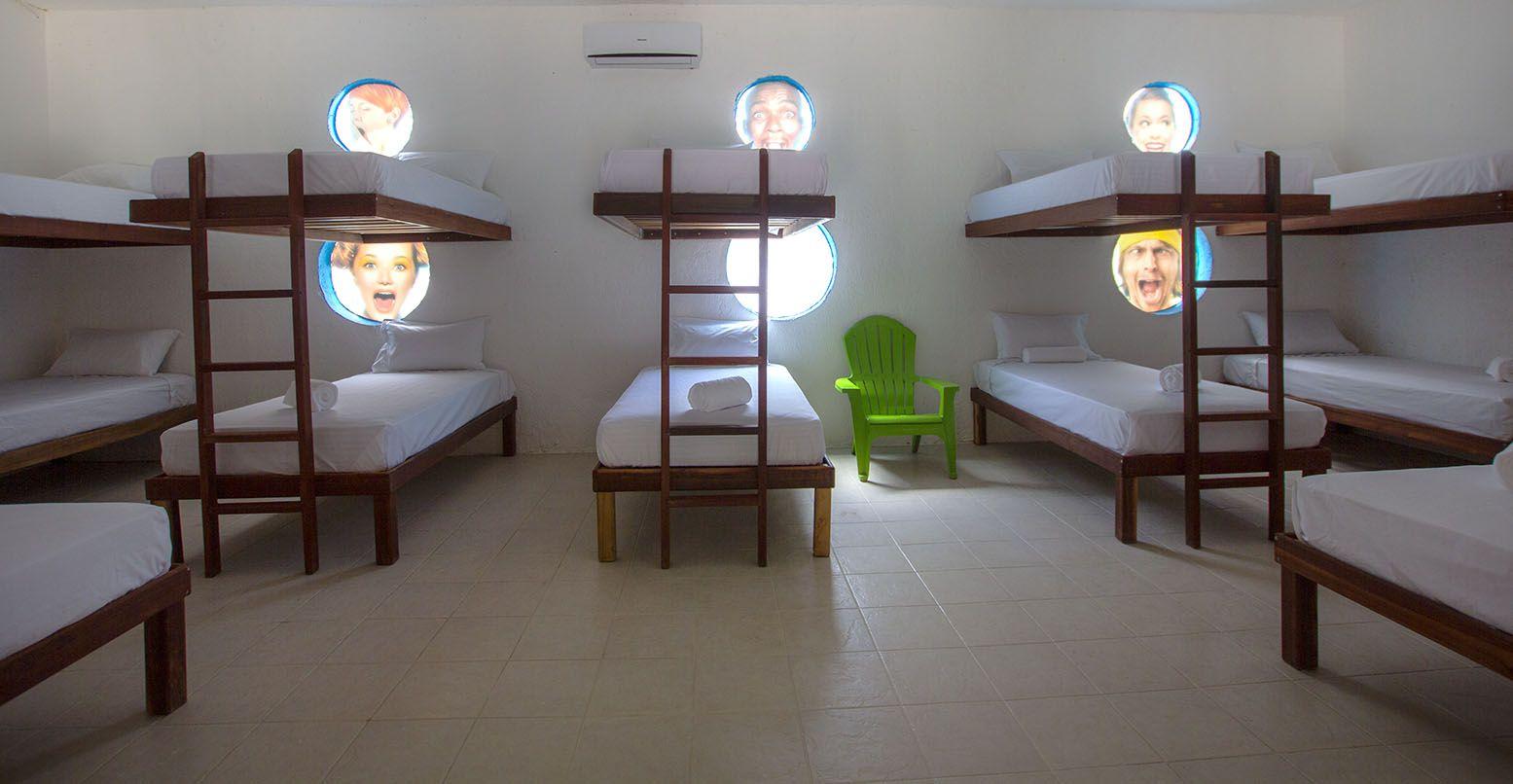Hugo's Room habitación compartida para 16 personas, aire