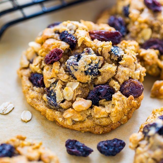 🍪🍪🍪 Hey you! Happy Saturday 🤗 I hope your weekend involves these Brown Butter Oatmeal Raisin Cookies!!! They're rich, chewy, and so flavorful. Packed with plenty of raisins, too 💜💜💜 Grab the #recipe by clicking the link in my profile @bakerbynature 👉🏻