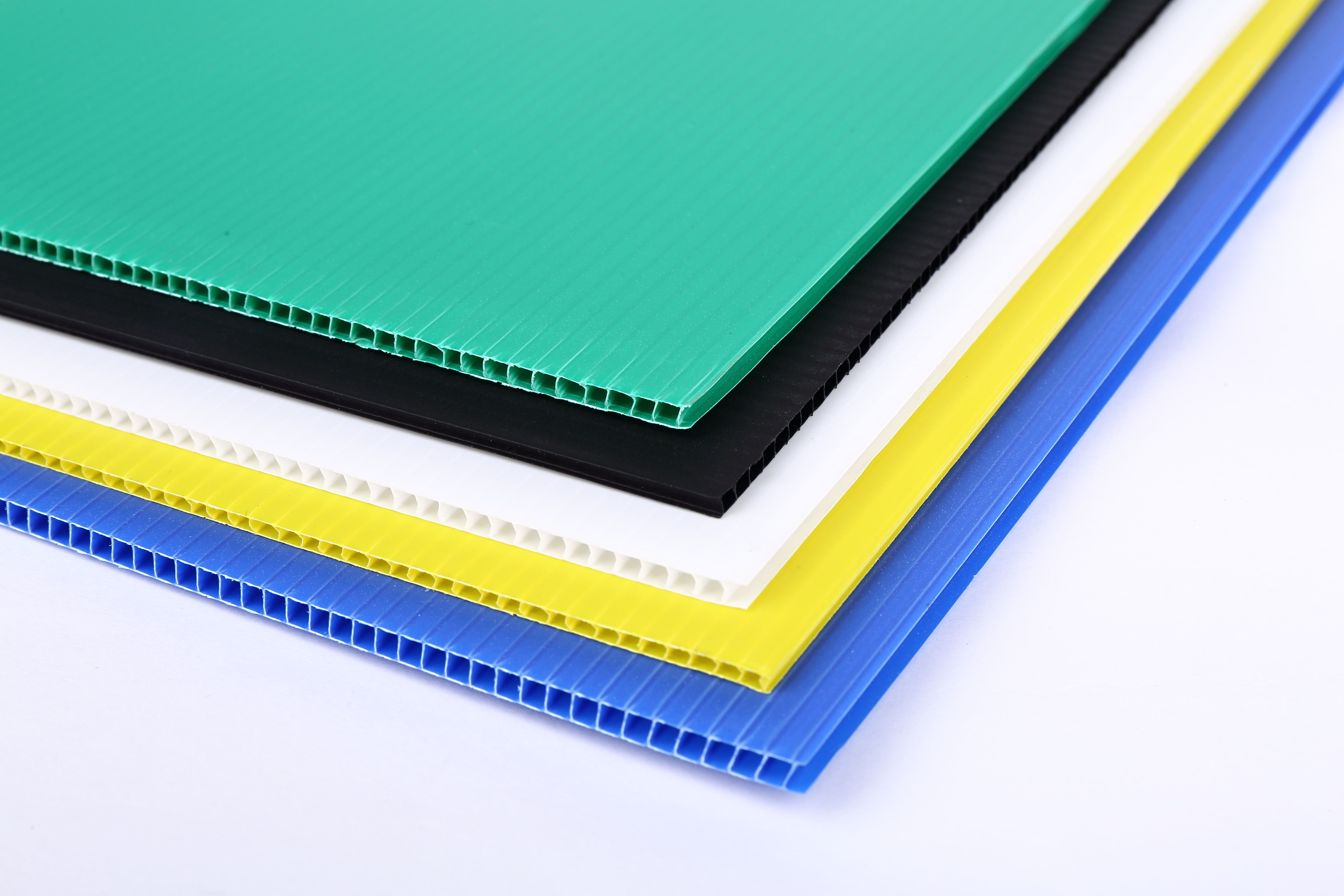 cfc6675fa89 The coroplast sheet is a twin wall profile extrusion