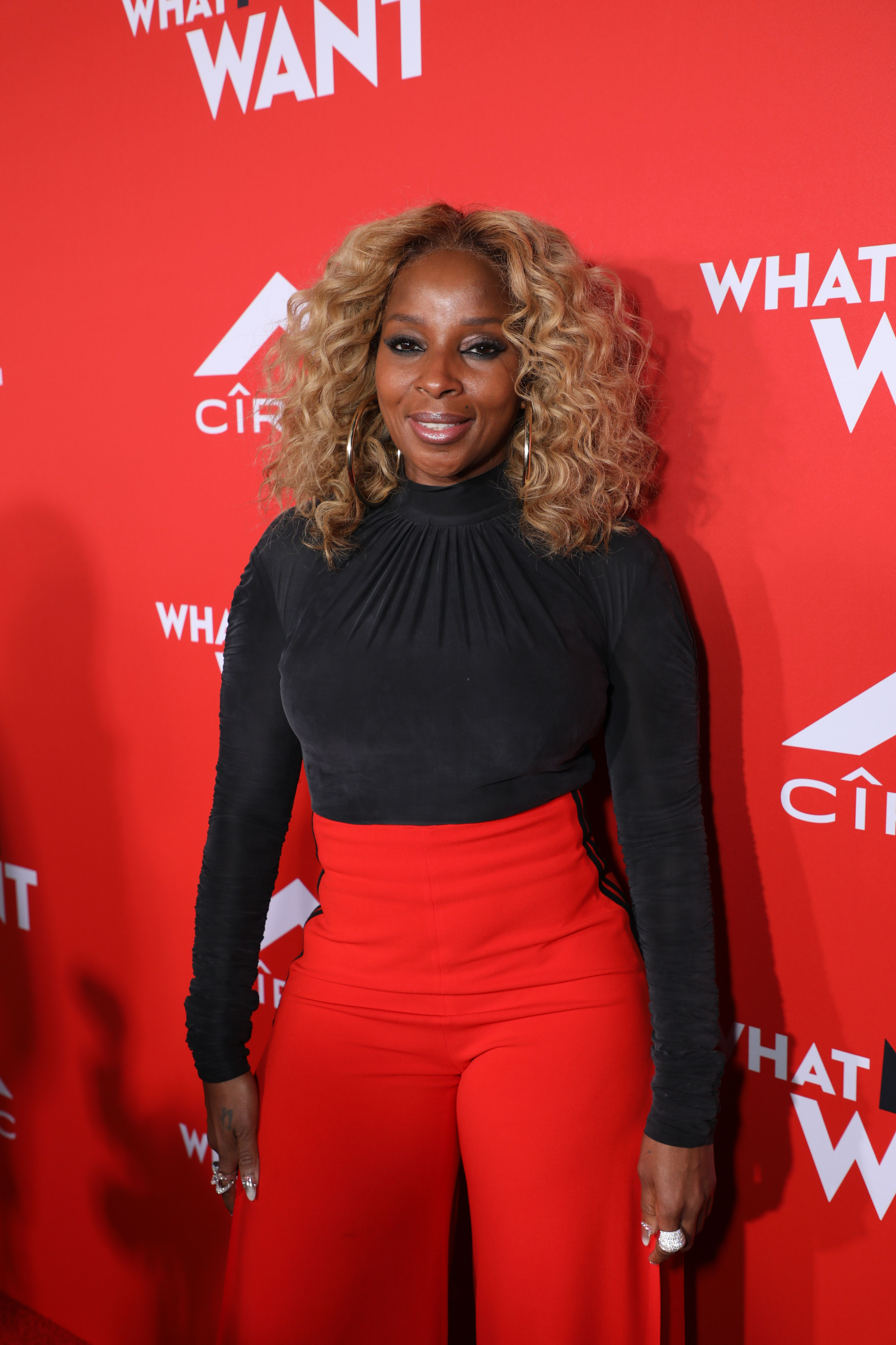 Mary J Blige Supported Her Friend Taraji P Henson At The Red
