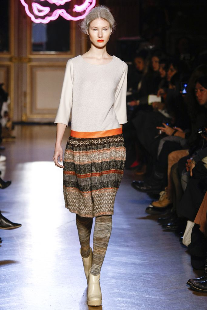 Tsumori Chisato Fall 2011 Ready-to-Wear Collection Slideshow on Style.com