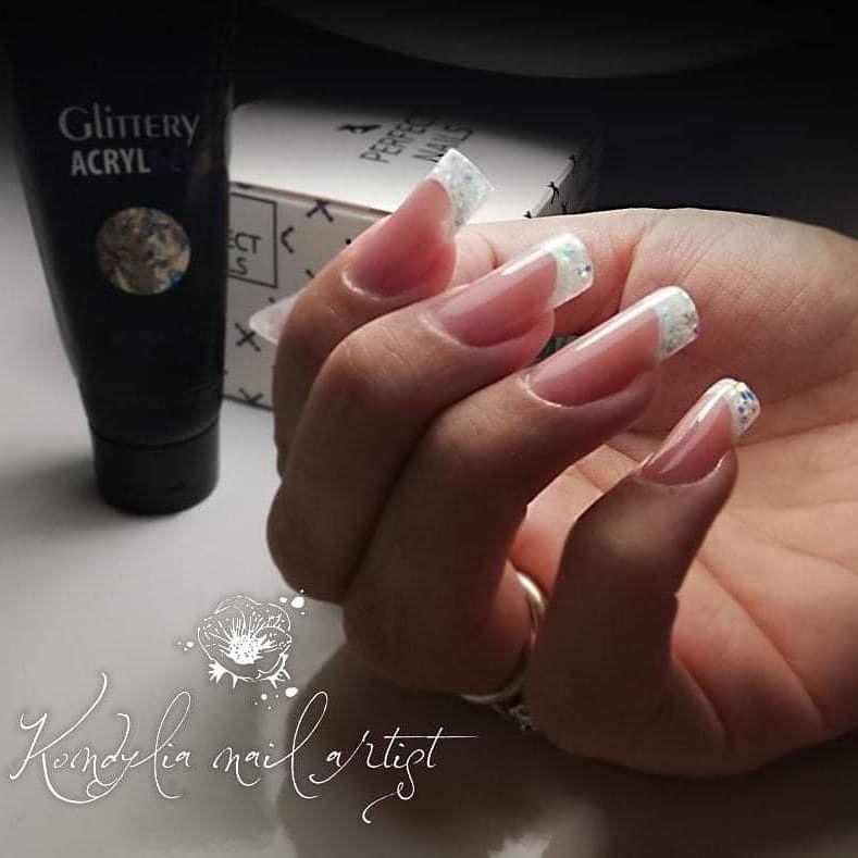 #001 Diamond #acrylgel #perfectnails #kondilianailartist #nailart #nails #naillove #nailartist #naildesign #naildesigner #reversefrench #glitternails