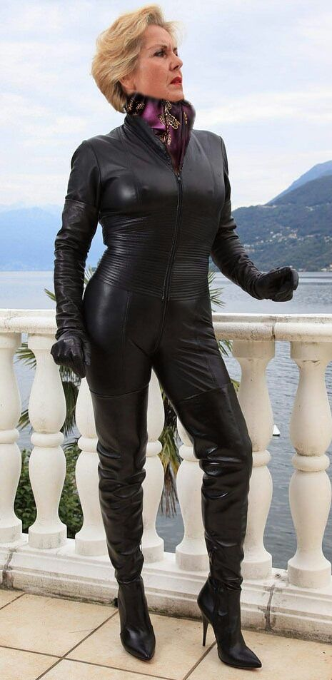 Mature Scarf Dom  Photos - Leather, Leather Catsuit En -9833