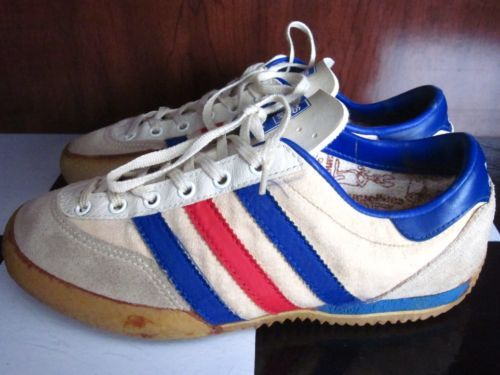 Vintage racquetball shoe | Volleyball