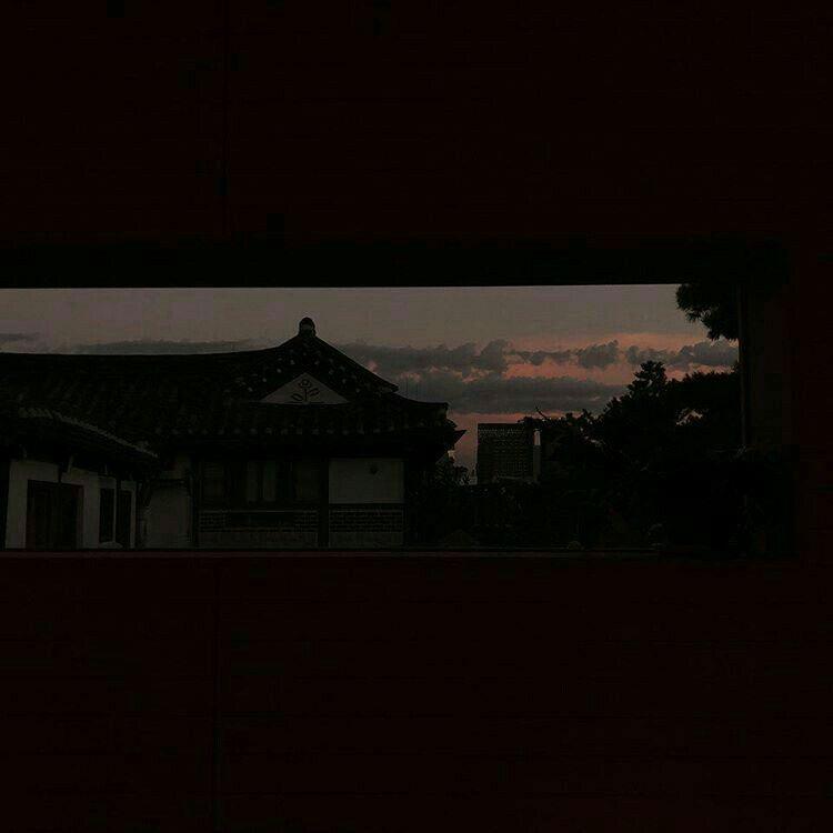 Black Aesthetic Sunset Grunge Dark Shadows Night Korean Kawaii Cute G E O R G I A N A A E S T H E T I C S Sky Aesthetic Dark Pictures Night Aesthetic