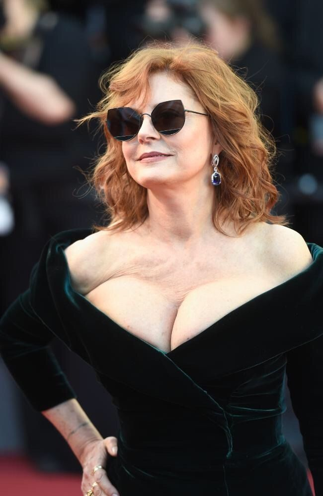 incredible body suzanne cleavage