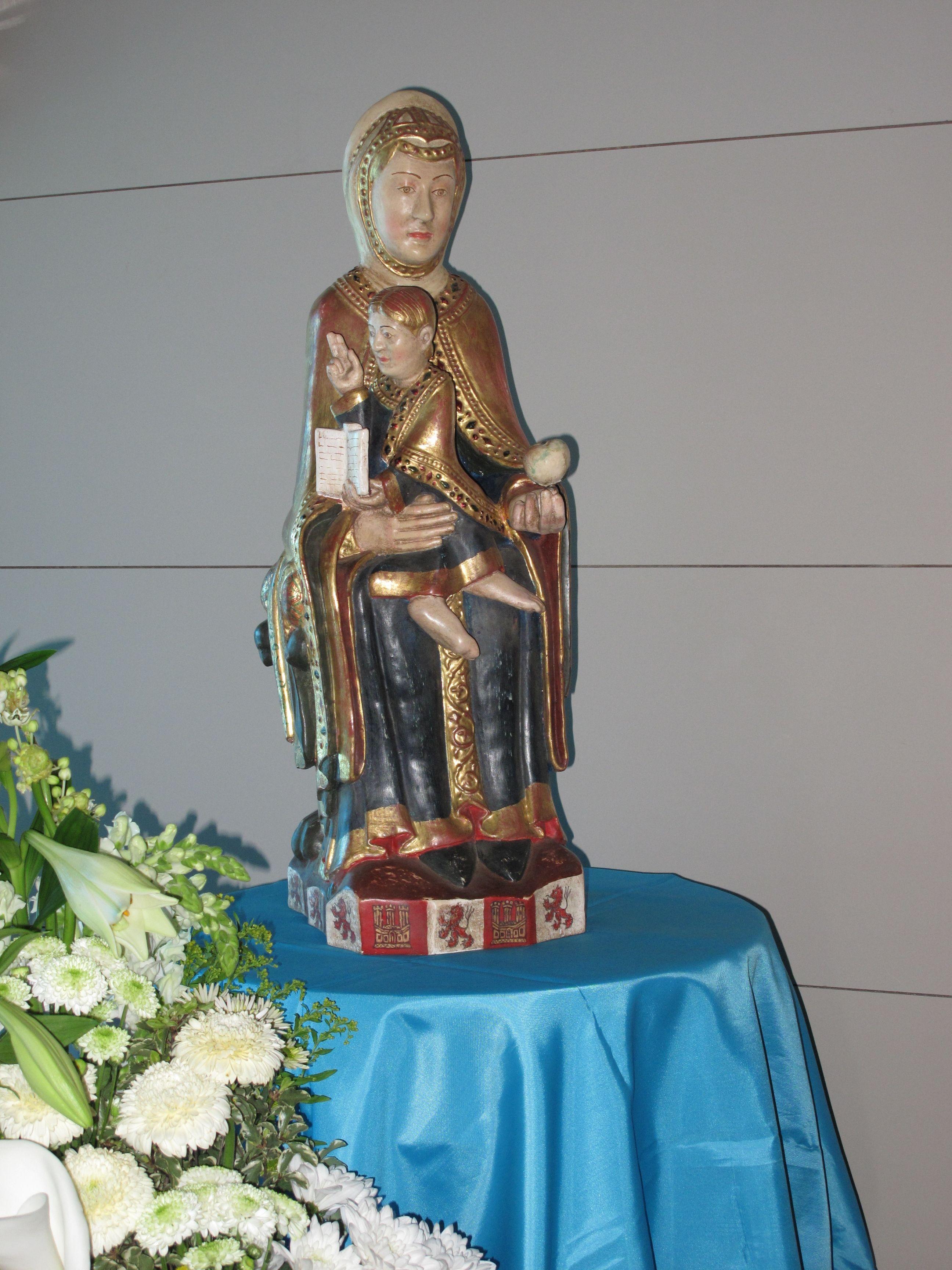 Virgen de Valvanera que preside la capilla de #Villafal